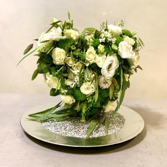 Weißes, florales 3D Herz